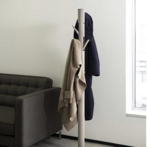 Porte manteau / Patères sur pied en bois et metal